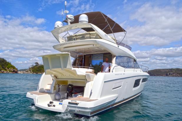 Boatpoint reviews the Prestige 500 Flybridge