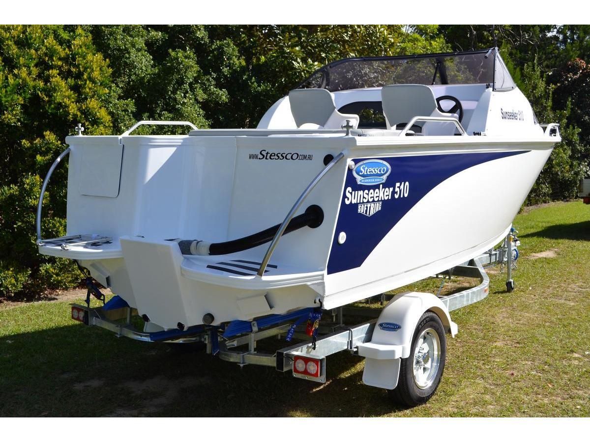 Cuddy Cabin Sunseeker 550