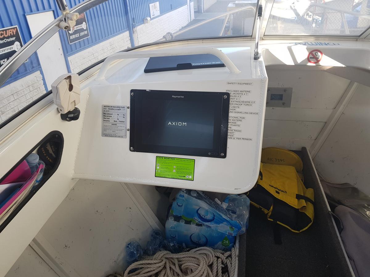2010 Makocraft Canyon Runner 610 Cuddy Cabin