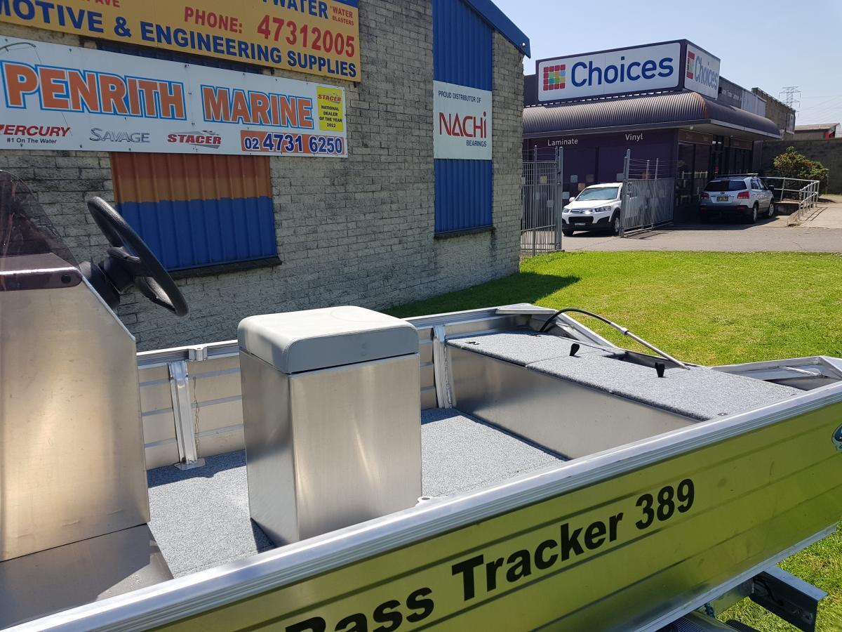 2018 Stessco 389 Bass Tracker Centre Console