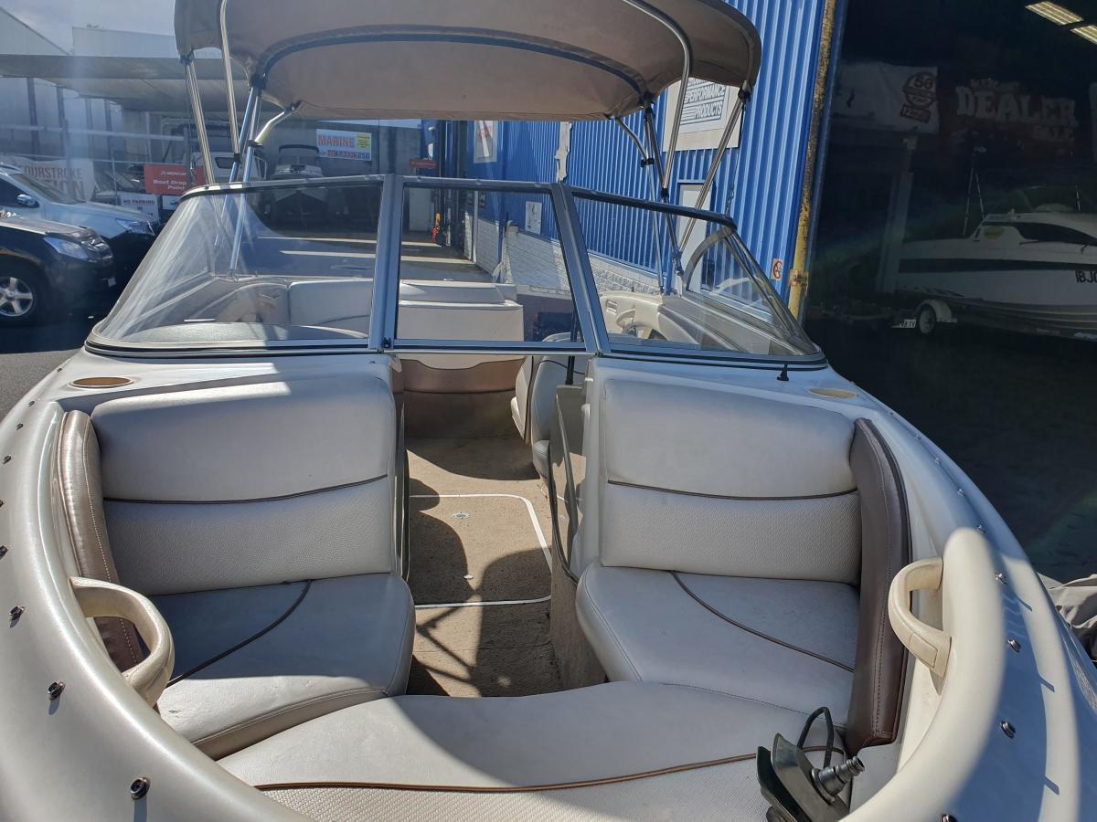 2001 Bayliner 1750 Capri