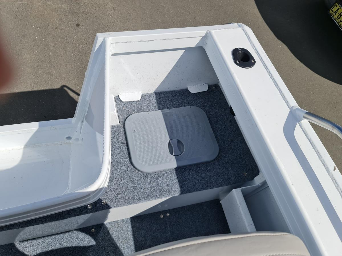 2021 Stessco 449 Fisherman Side console