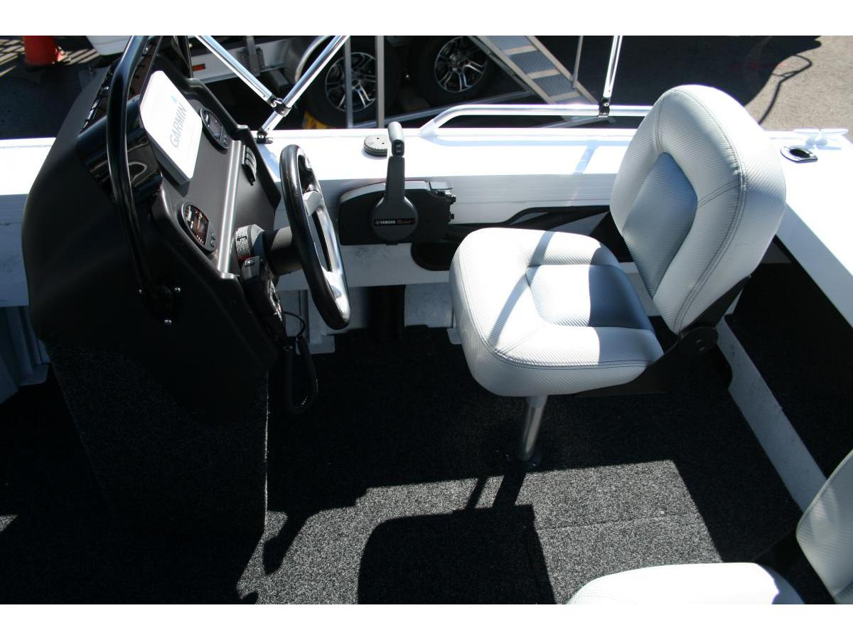 Stacer 499 Crossfire Side Console