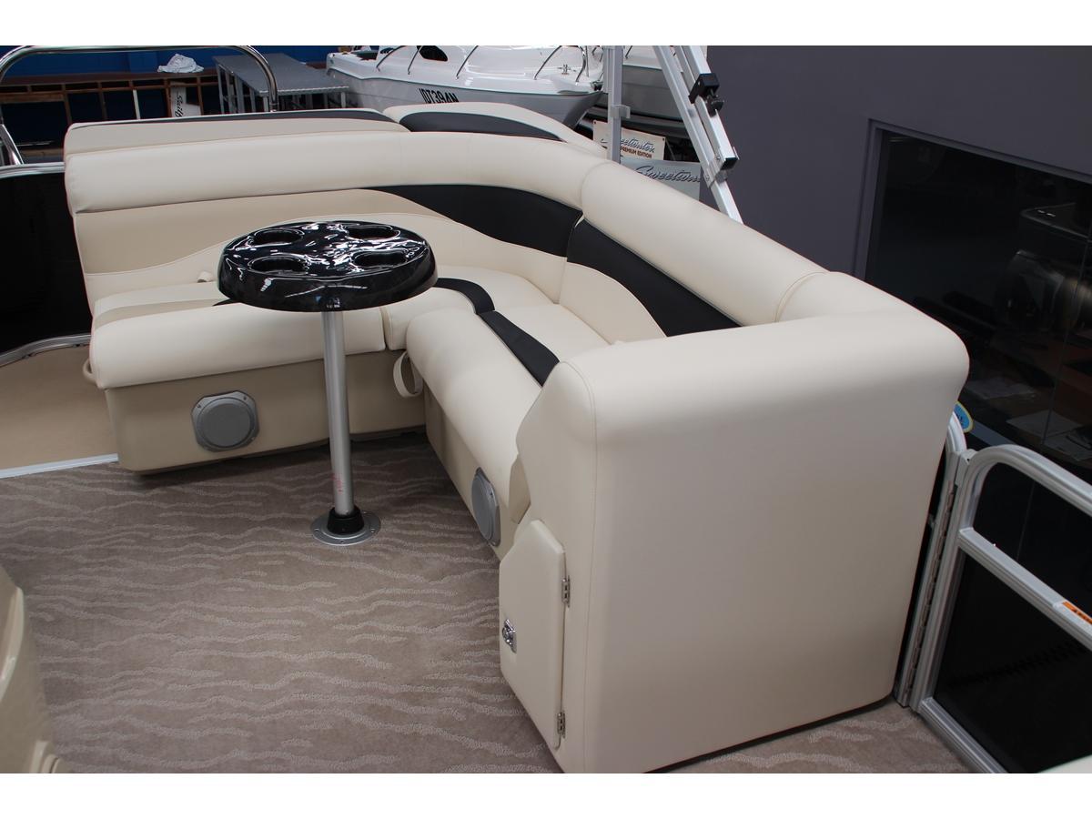 Sweetwater 2286 Pontoon Boat